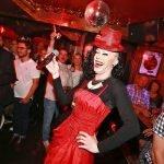 Junggesellinnenabschied oder Junggesellenabschied in der Olivia Jones Bar